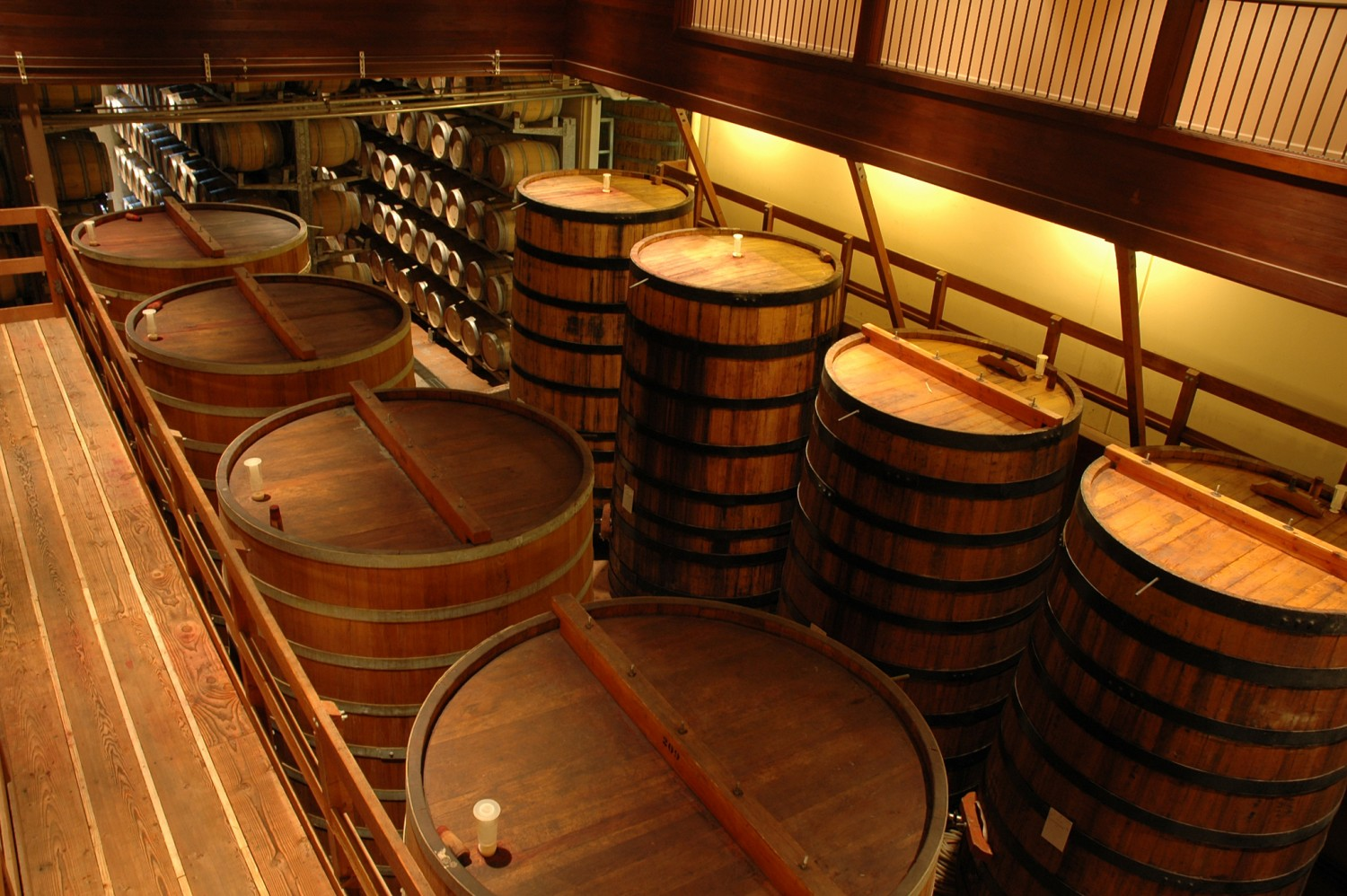 different types of wooden barrels